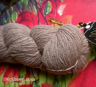 Lotus TIBETAN CLOUD WORSTED [100% Tibeatn Yak], Light Worsted